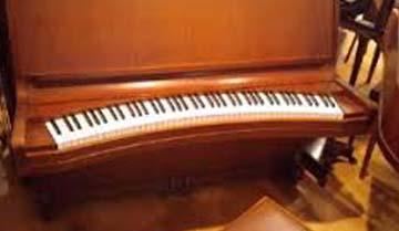 弓状鍵盤ピアノ